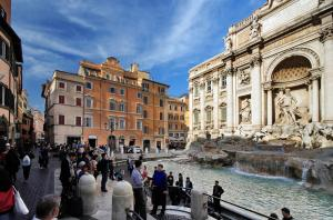 Rent in Rome Trevi Fountain Suite - abcRoma.com