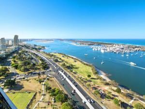 Gold Coast Southport Meriton Apartment