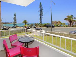 Bilgola 1 - 2 BDRM Apt on Alex Heads