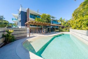 Stylish Beach Side Apartment - Unit 5 - 33 Lorikeet Drive