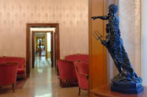 Hotel Giulio Cesare, Отели  Рим - big - 77