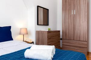 SADLER HOUSE DELUXE SINGLE GUEST ROOM 1