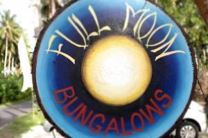 Full Moon Bungalows, Нуса Пенида