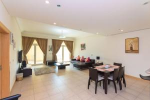 Luxury One bedroom Appartment with Partial Seaview - Inclusive of Two Beach Access - Dubai