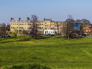 2 Double Bedroom Flat on Blackheath!, Apartmány  Londýn - big - 12