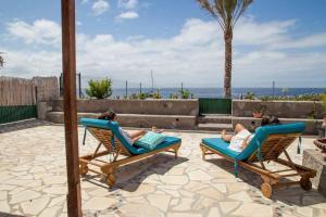 Casa Albersequi In Front Of The Sea, Playa Santiago