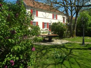 Chambres d'Hotes Raviere - Hotel - Bouhy