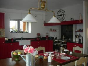 Chambres d'hôtes La Penhatière, Bed and Breakfasts  Baulon - big - 6