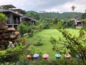 Baan Boom Boxes Eco Friendly Resort