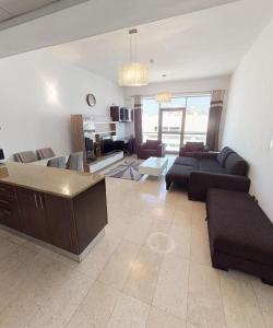 DUBAI BEACH HOST - DELUXE ONE BEDROOM near Mall of the emirates -