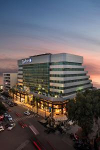 Radisson Blu Hotel, Beirut Ver..