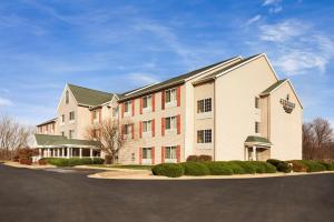 Country Inn & Suites by Radisson, Clinton, IA - Hotel - Clinton