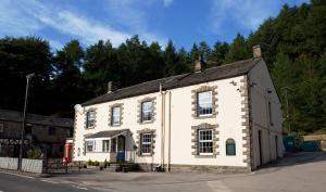 The Snake Pass Inn - Bamford