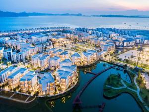Premier Village Ha Long Bay Re..