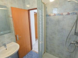 Apartment Stueckler.3, Apartmanok  Vir - big - 5
