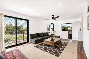 Spacious 2 Bedroom Townhouse In Southport