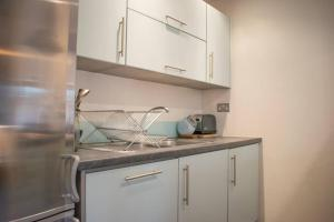 Warm 1 Bedroom Apartment with Balcony, Appartamenti  Londra - big - 16