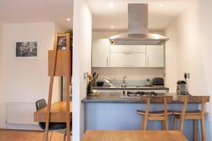 Warm 1 Bedroom Apartment with Balcony, Appartamenti  Londra - big - 17