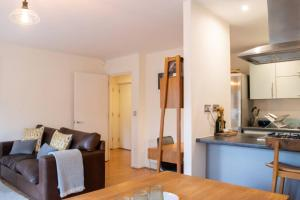 Warm 1 Bedroom Apartment with Balcony, Appartamenti  Londra - big - 18
