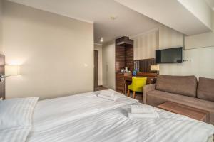 Rent like home Hotel Room 210