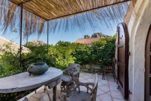 Luxury Cottage a San Pantaleo. Casa Il Glicine