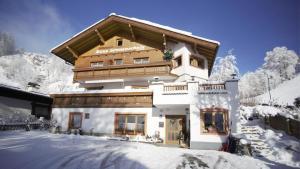 Haus Sonnenschein - Accommodation - Saalbach Hinterglemm