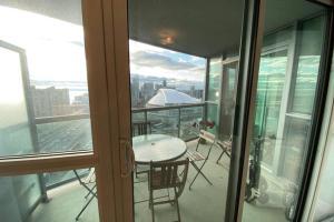 Toronto lake shore 1BR Apartment