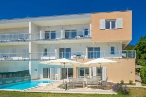 Luxury villa with a swimming pool Poljane, Opatija - 17956