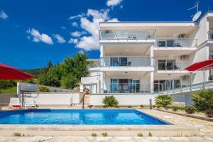 Luxury villa with a swimming pool Poljane, Opatija - 17959