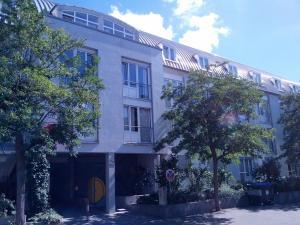 StayInn Hostel und Gästehaus - Denzlingen