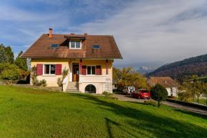 Maison détox 5 chambres à Annecy entre ville et campagne - Hotel - Seynod