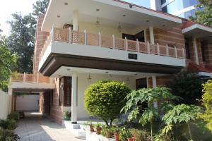 Kaner House