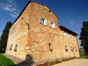 Monteoliveto Villa Sleeps 14 with Pool Air Con and - AbcAlberghi.com