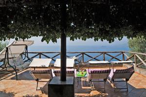 Praiano Apartment Sleeps 4 Air Con WiFi I 2