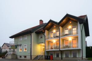 Hotel Maj Inn, Penziony – hostince  Moravske Toplice - big - 65