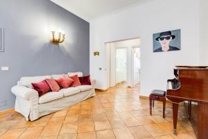 Vicolo del Babuino apartment
