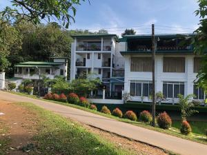 Lotus Grand View Hotel - Remuna, Hotels - Horana
