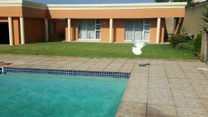 SunSet West Self Catering Guest House, Maraisburg Johannesburg West