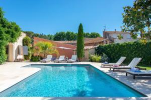 Saint Thibery Villa Sleeps 9 Pool WiFi