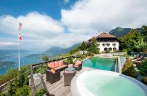 Faverges Villa Sleeps 15 Pool WiFi - Hotel - Faverges
