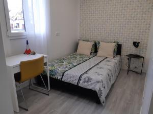 Chambre confortable dans appartement, normes sanitaires respectées