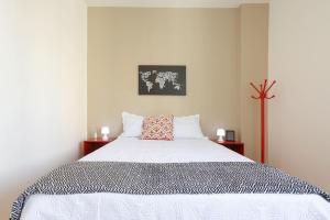 Dona Acibe Apartments by BnbHost
