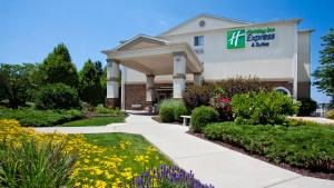 Holiday Inn Express and Suites Allentown West - Hotel - Allentown