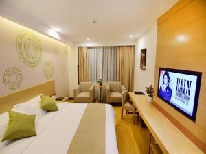 GreenTree Inn Ningbo Beilun District Meishan Beach Business Hotel