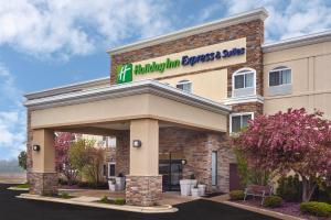 Holiday Inn Express Hotel & Suites Chicago-Libertyville, an IHG Hotel