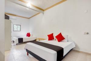 Hotel Arco Maya