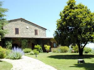 Cetona Villa Sleeps 7 Pool WiFi