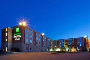 Holiday Inn Express and Suites Pittsburgh West Mifflin, an IHG Hotel