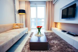 Platinum Towers MJ Apartments, Варшава
