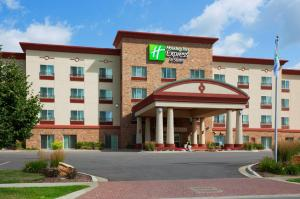 Holiday Inn Express & Suites Wausau - Hotel - Weston